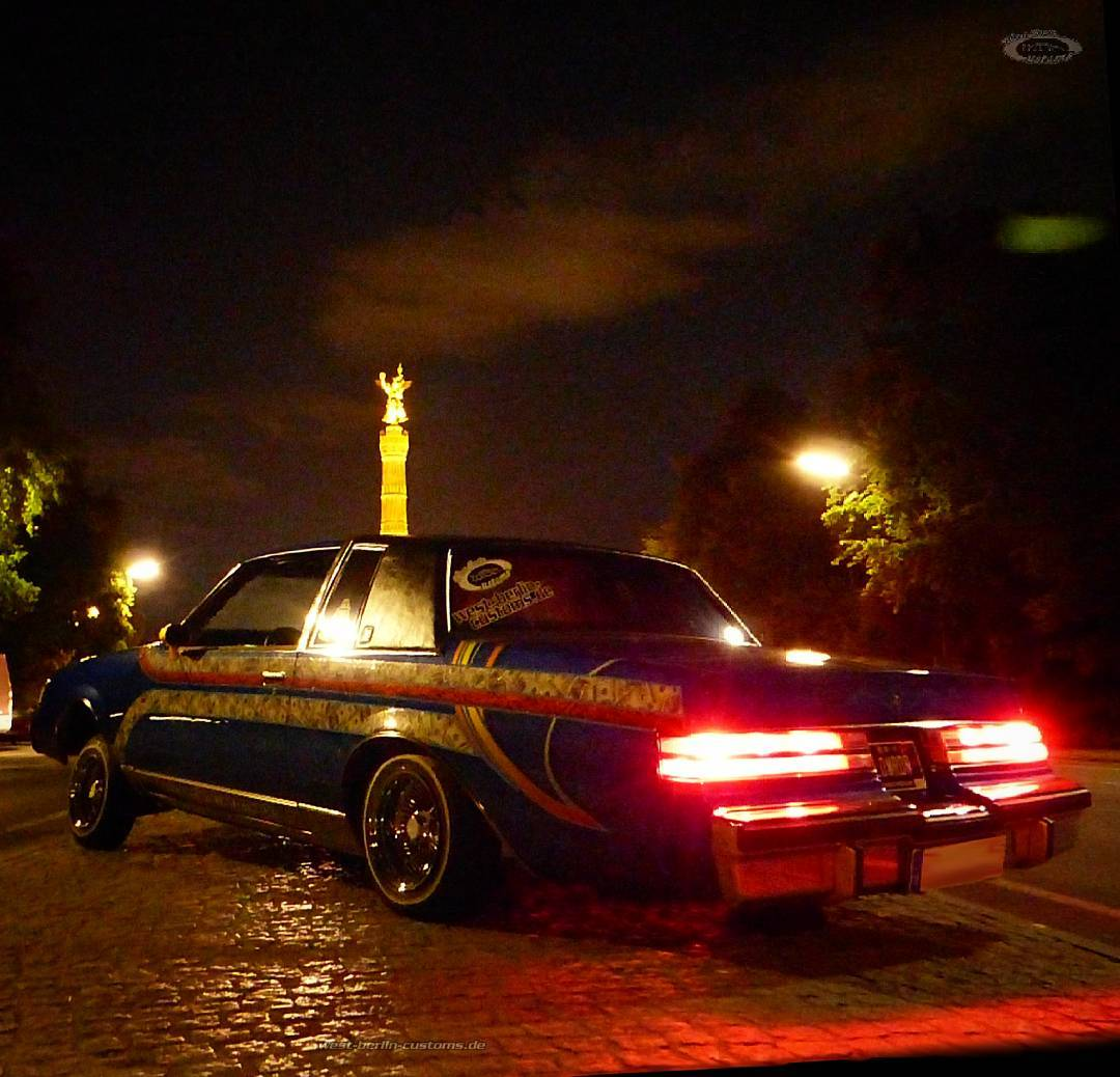 Do you have a favorite place to stay a little on a cruise night? I love to sit in my LoLo in front of a popular monument in Berlin, called Siegessaeule (Berlin Victory Column). The days (and nights) become cold in Berlin. So the Buick will stay covered for about 6 months. I hope for a short winter and an early spring 2017