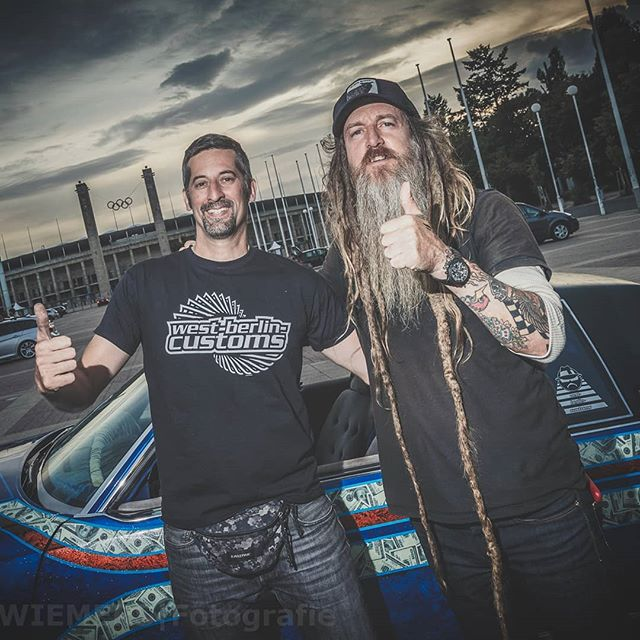 About one year ago I met this humble guy at the Olympia-Stadion in Berlin. He's such a friendly dude and a real car guy. Hope to see ya at, @magnuswalker ! Photo by: @wiemerwiemers