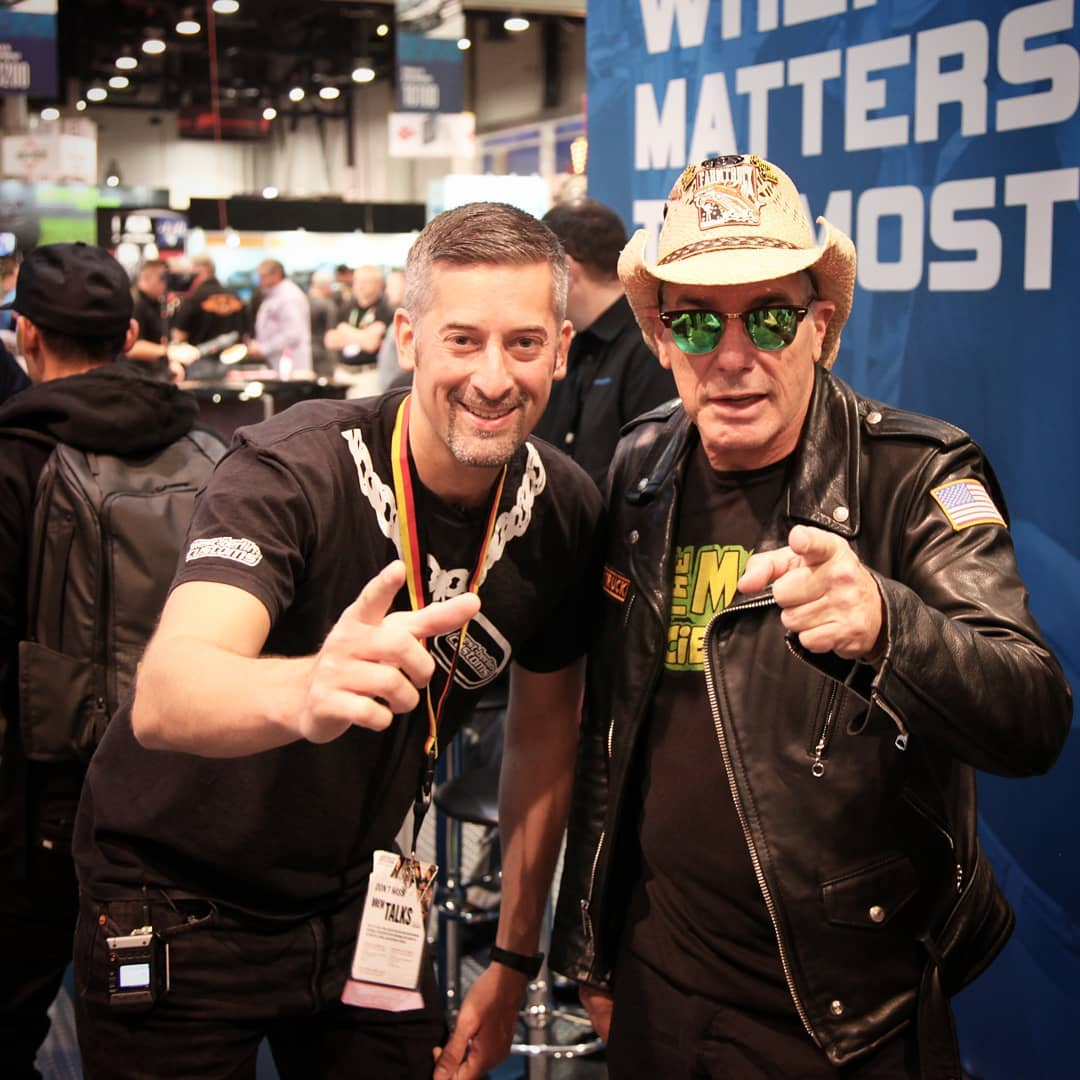 I met Farmtruck and AZN and SEMA 2018. These guys just started singing while walking the floor. ? I love the humor and positive vibes – they are an awesome team #405 @fna405 @semashow @stoutlaws @street_outlaws_405_ @discovery