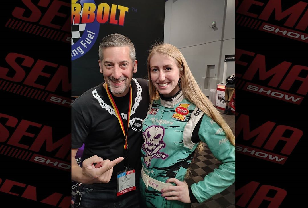 Ladies and Gentlemen: Are your ready to let the clutch jump and start sideways into this Throwback Thursday!? Ok let's grab the FlyOff: Between Halloween and COVID19 I met this young lady at SEMA2019 and was very impressed by her skills ? (and her age?)! It was really nice to chat a couple minutes. Take care, greetings all the way from Germany! ?  Bei Interesse checkt: @kelseyrowlings